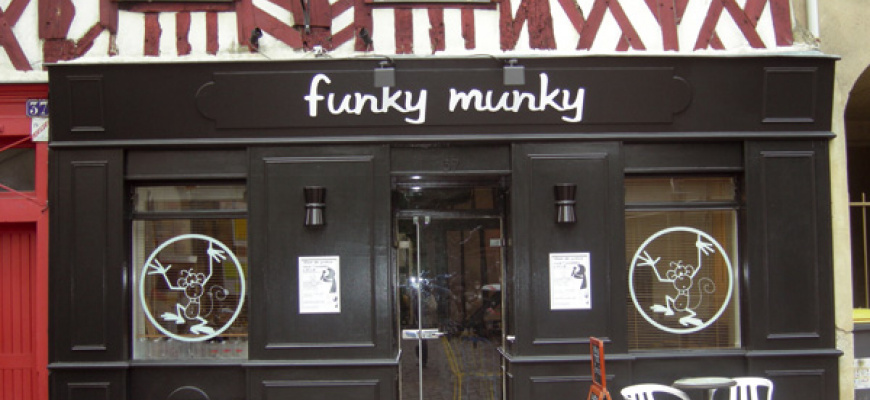 Funky Munky  Lounge