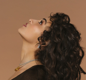 Camélia Jordana, Facile x Fragile Tour