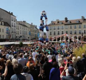 Image Castellers de Paris - AY-ROOP [Temps Fort arts du Cirque]